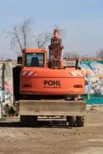 Itzehoe/131798/bagger-der-firma-pohl-auf-alsen Bagger der Firma Pohl auf Alsen 02.04.2011