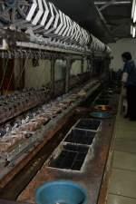 Shanghai/131010/in-einer-seidenfabrik-in-shanghai-16102010 In einer Seidenfabrik in Shanghai 16.10.2010